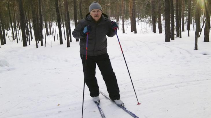 Я на лыжах в зимнем лесу